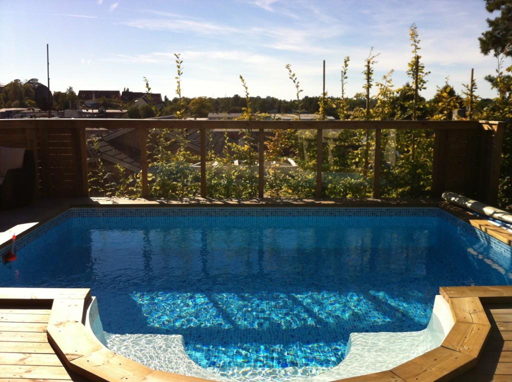 Vår nya pool sedan maj 2012