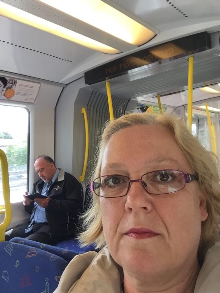 På tunnelbanan. Nu åker vi!