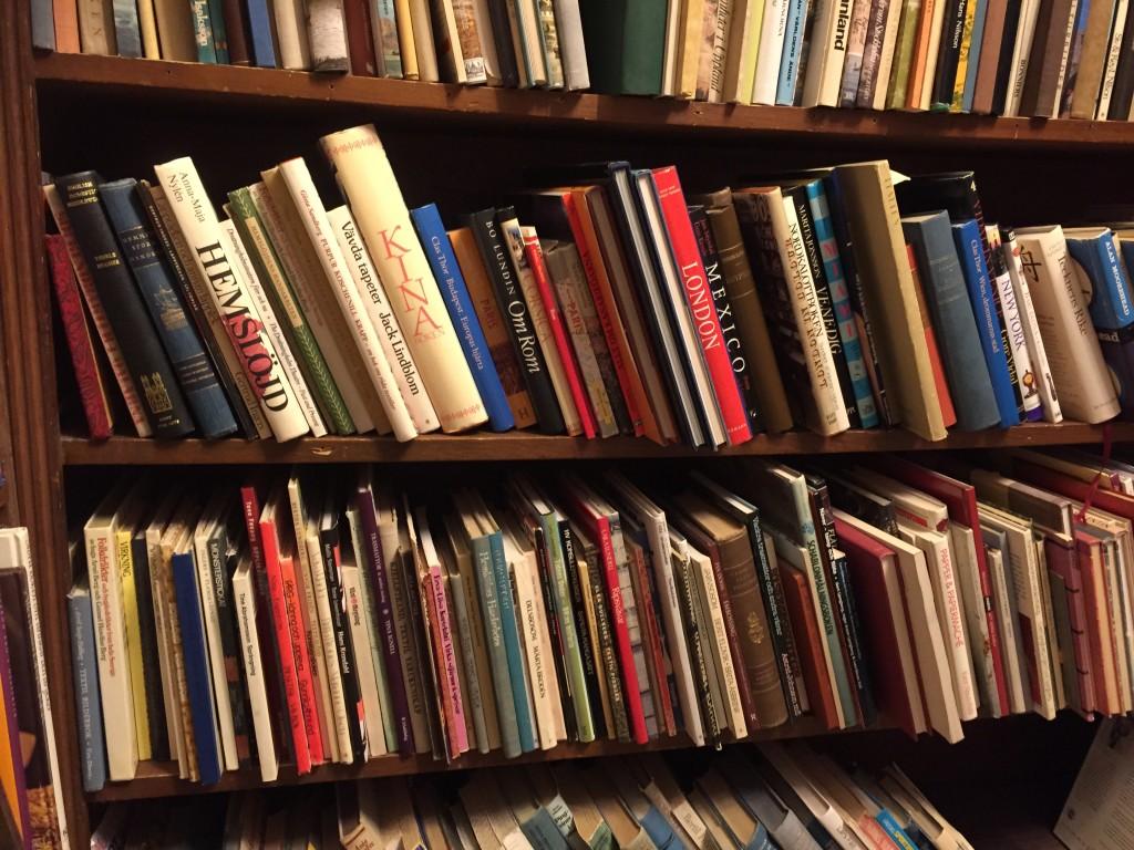 Jag letar makramé-böcker i antikvariat
