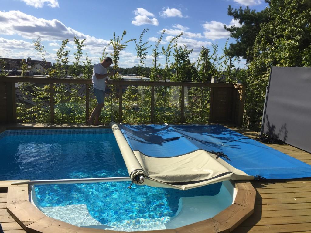 Dags att avtäcka poolen för dagen1