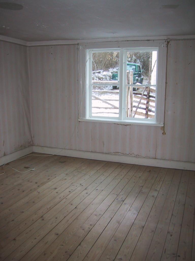 Kammaren innan vi började slita upp golvet