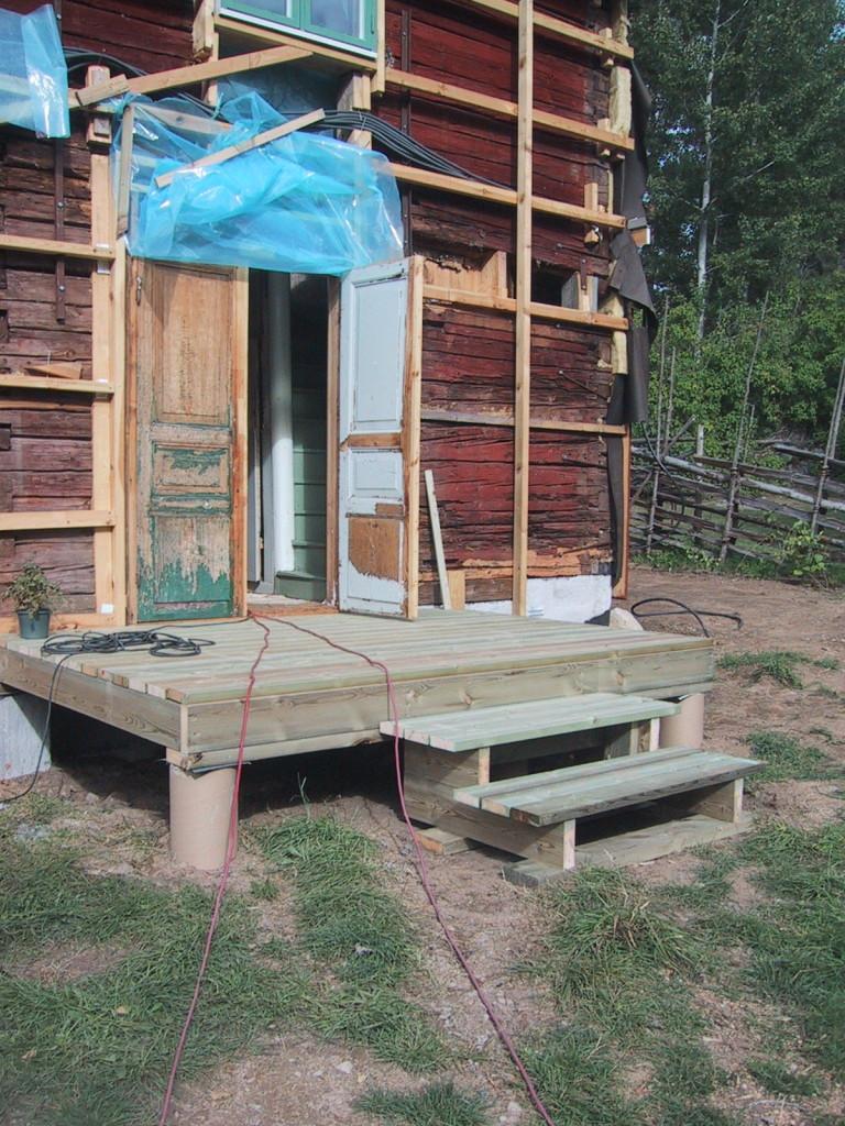 Men nu börjar vi bygga verandan