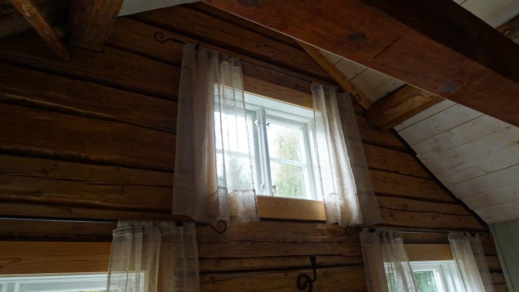 Övre fönstret i stora rummet