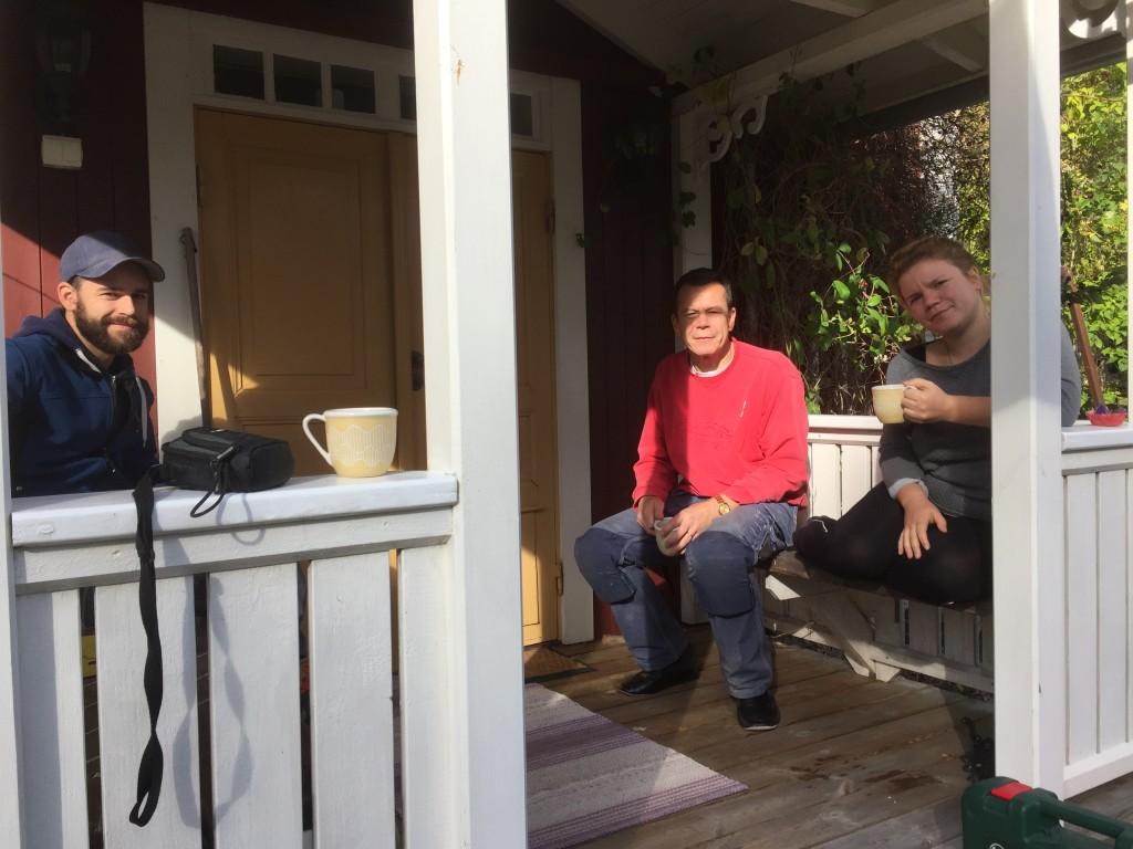 En fika på verandan